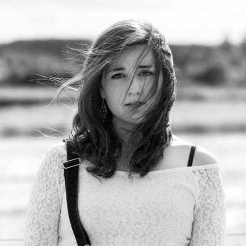Emi McDade's avatar