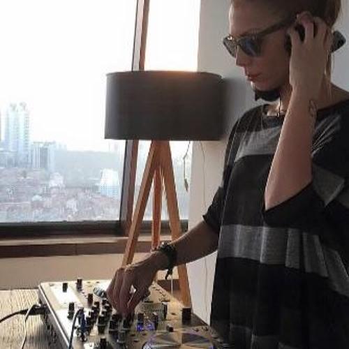 Yelda Ceylan's avatar
