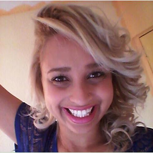 Bruna Rodrigues's avatar