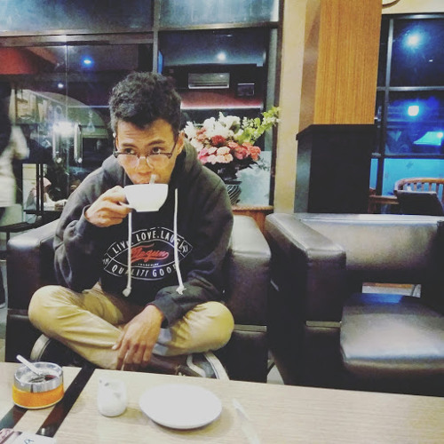 Fahmi Nur's avatar