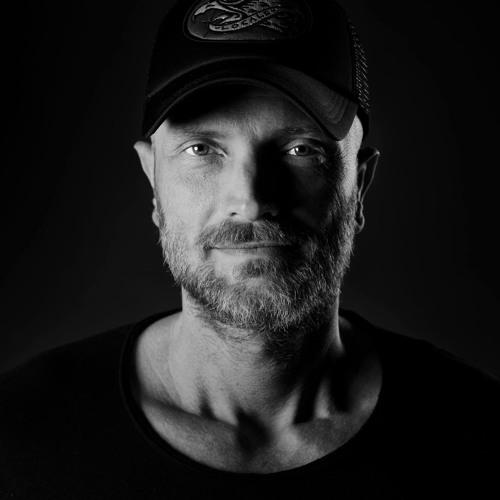 DONALD VAN SCHILT's avatar
