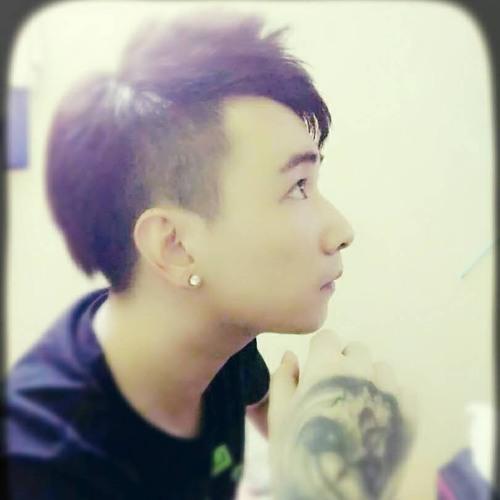 AlipoPo Tэchиo@'s avatar