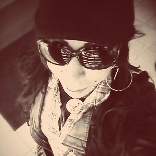 Liz  Rodz's avatar
