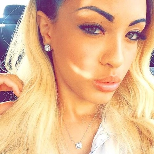 Desi Smith's avatar