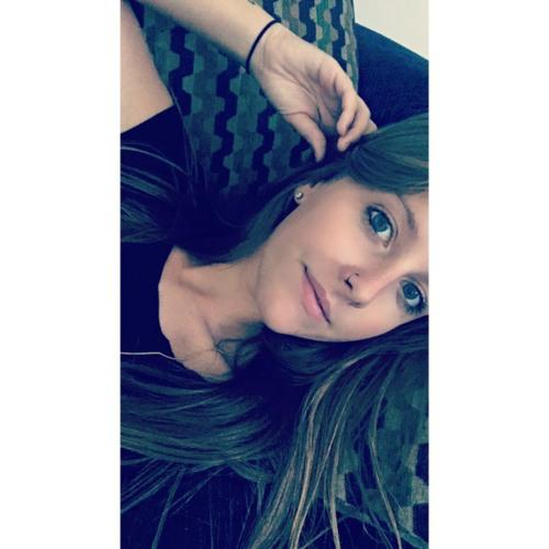 Crissy V's avatar
