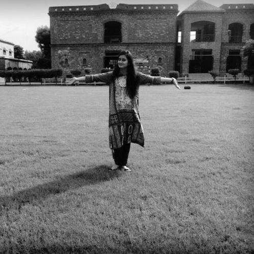 Rohmaa Shakoor's avatar