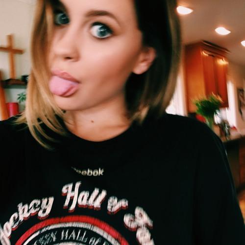 Natasha Bure's avatar
