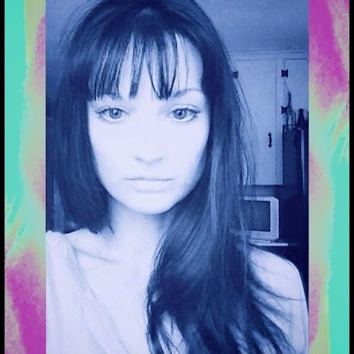 DanielleK's avatar