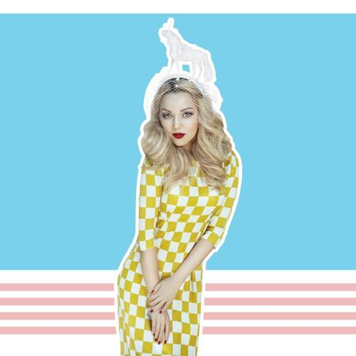 Arina Domski's avatar