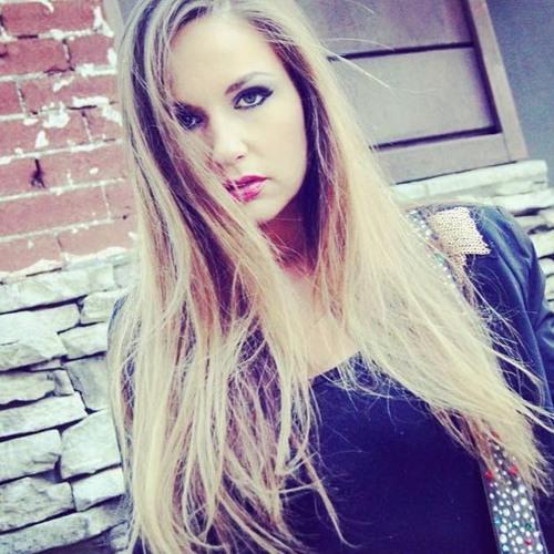 Justine Blazer's avatar
