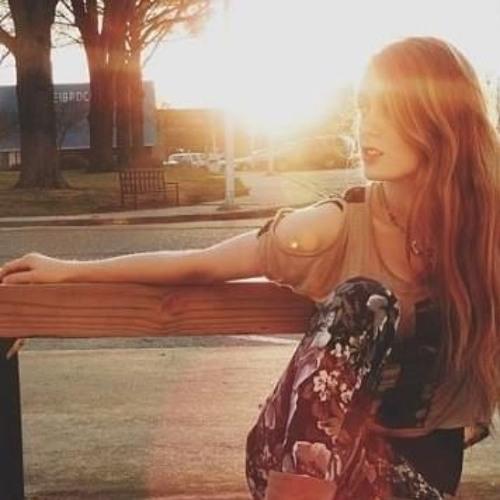Julia Johnston's avatar