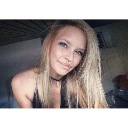 Shannon Emmy's avatar