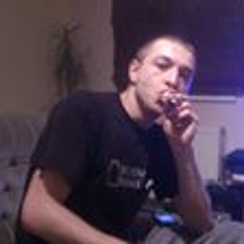 Daniel Wumski's avatar