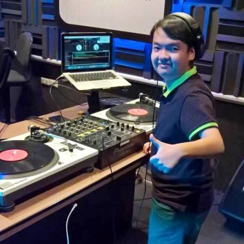 DJ TwiQ's avatar