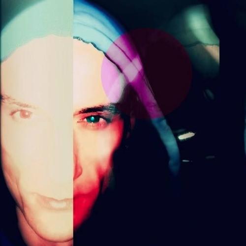 DJ Victi's avatar