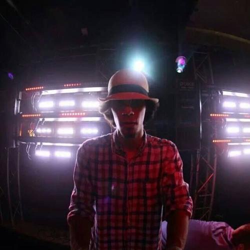 DJ Sandro ॐ's avatar