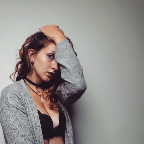 Maja Komorowska's avatar