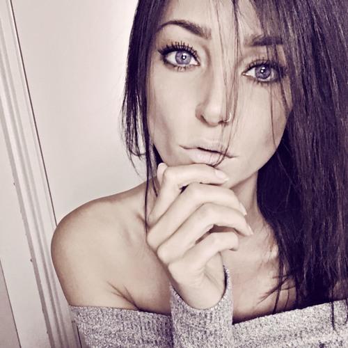 Myrna Mangolita's avatar