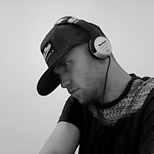 LEWIS TURNER's avatar
