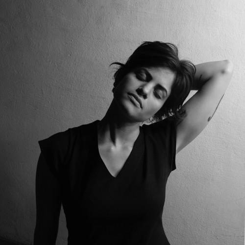 Joana Bentes's avatar
