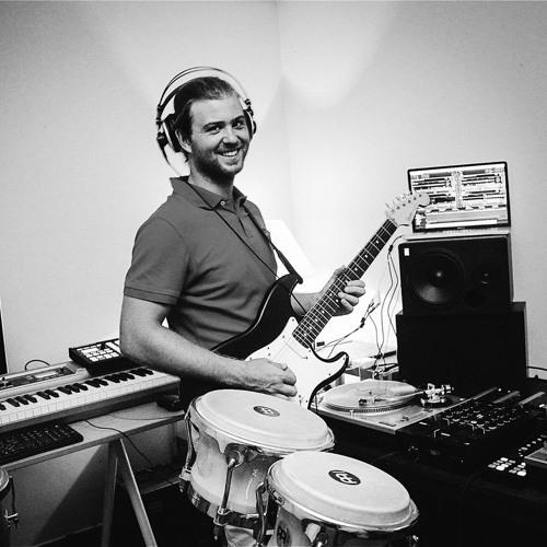 Luis Fontes's avatar