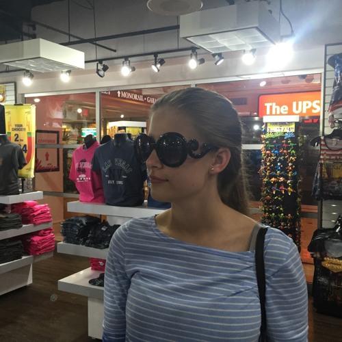 Vanessa Opolski's avatar