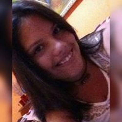 Elaine Victoria's avatar