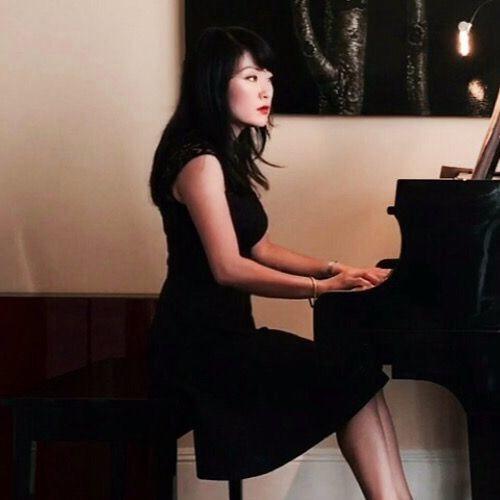 Sumi Lee's avatar