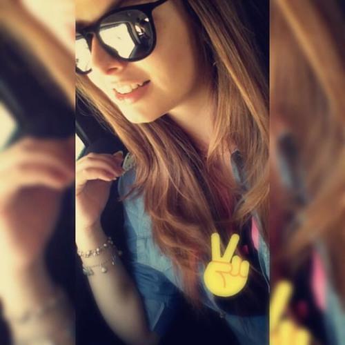 Laila Fernanda Oliveira's avatar