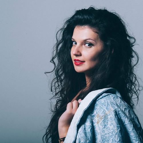 Nina Browwn's avatar