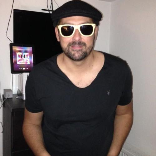 dj carl lovell's avatar