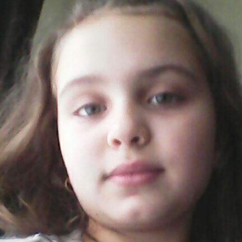 larisa monica's avatar