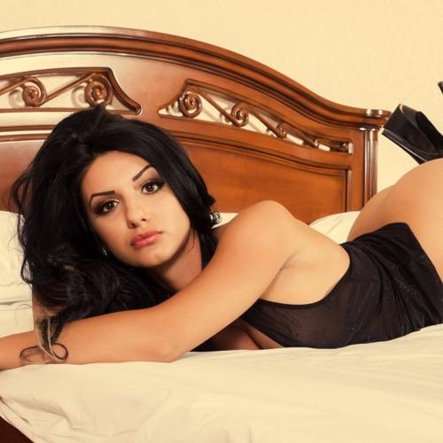 Shnaya Saxena's avatar