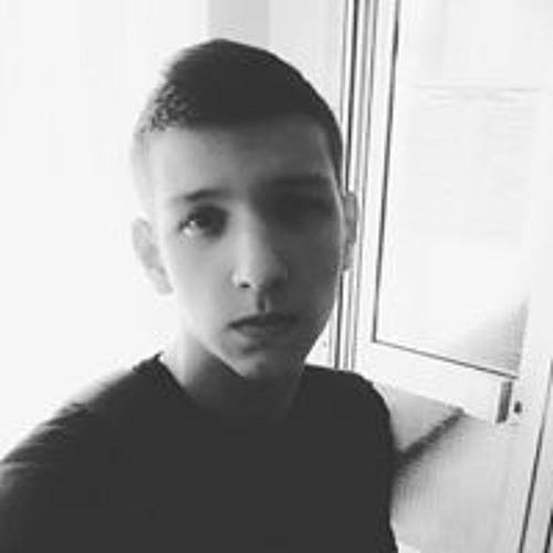 Sergey Larionov's avatar