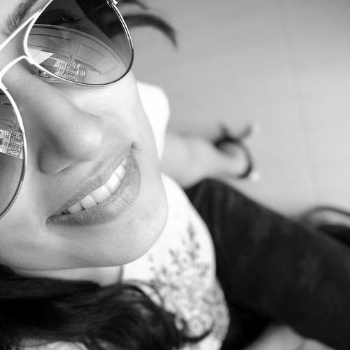 Maria Bou's avatar