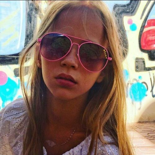 Emma2003xxx's avatar