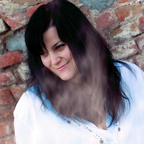 Vera(Maria Eftimie)'s avatar