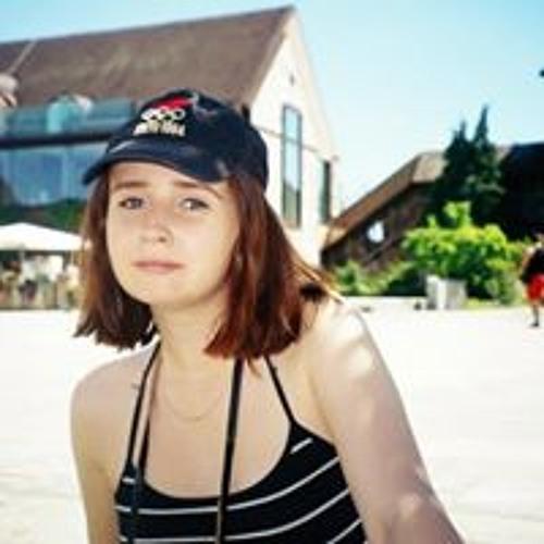 Alice Holmes's avatar