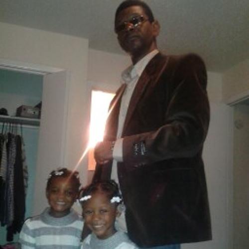 Black daddy Blk9's avatar