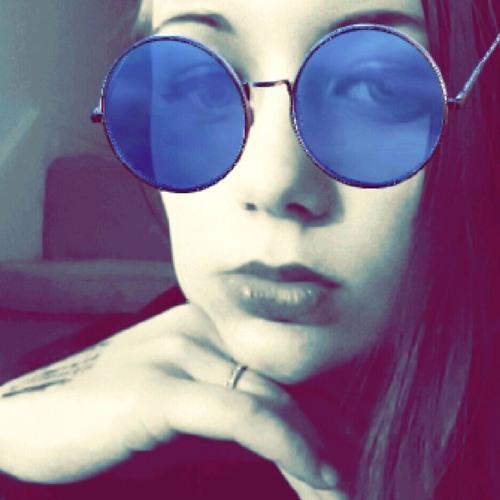 Ellie R's avatar