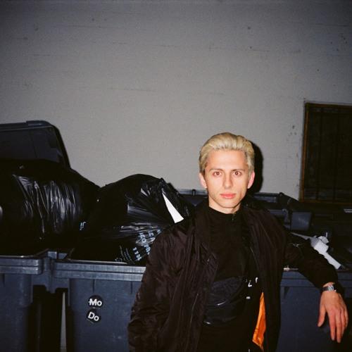 Pawel Danzig's avatar