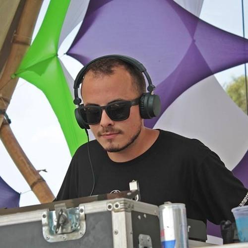 Gui Carvalho's avatar