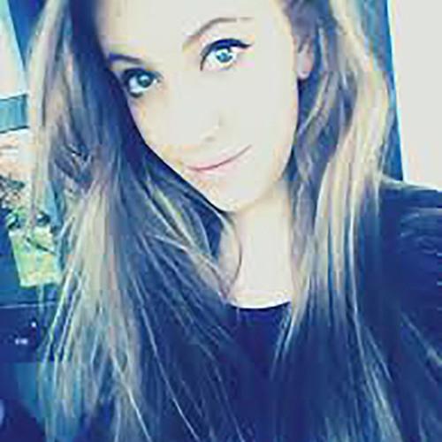 elvia's avatar