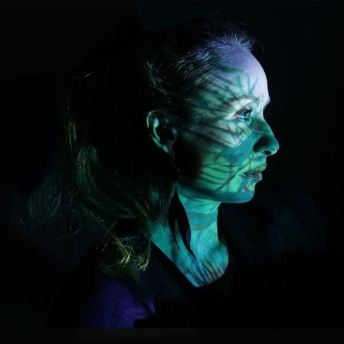 Angela Kinczly's avatar