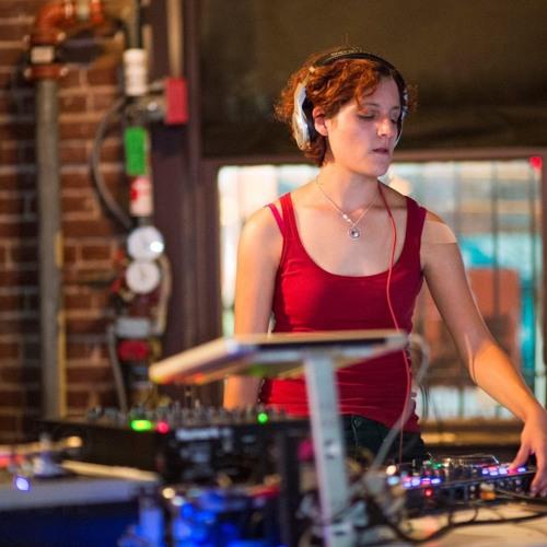 DJ Mina Danes's avatar