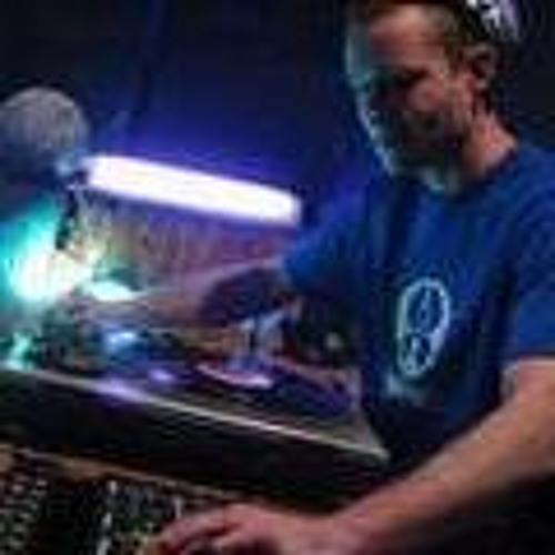 DJ PHALYNX's avatar