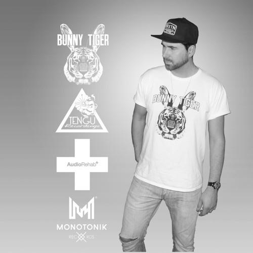 Dustin McCoi's avatar