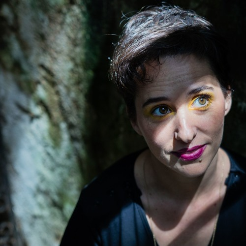 JoanaQueiroz's avatar