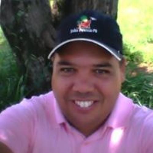 Wander Camargo's avatar