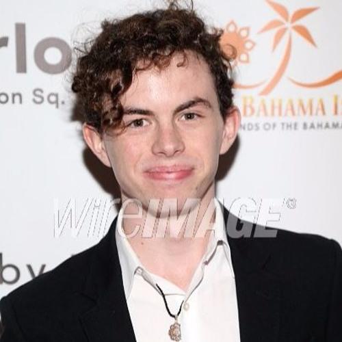 Max MacKenzie's avatar